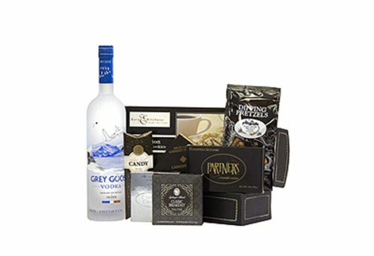 Goose & Company Vodka Gift Basket, Grey Goose Gift basket, Vodka Gift Basket, Gift baskets for him, Grey Goose Gift Set, Engraved Grey Goose