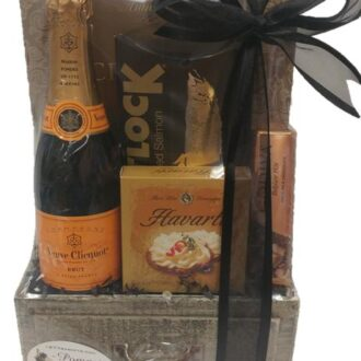 Mini Celebration Champagne Gift Basket, Engraved mini veuve clicquot, 375ml Veuve Gift Basket, Mini Veuve Gift Basket, Half Bottle Champagne Gifts, Small Champagne Gift Basket, Engraved Veuve Clicquot